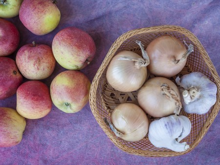 Garlic Breath? Science Says Eat an Apple | CFAES