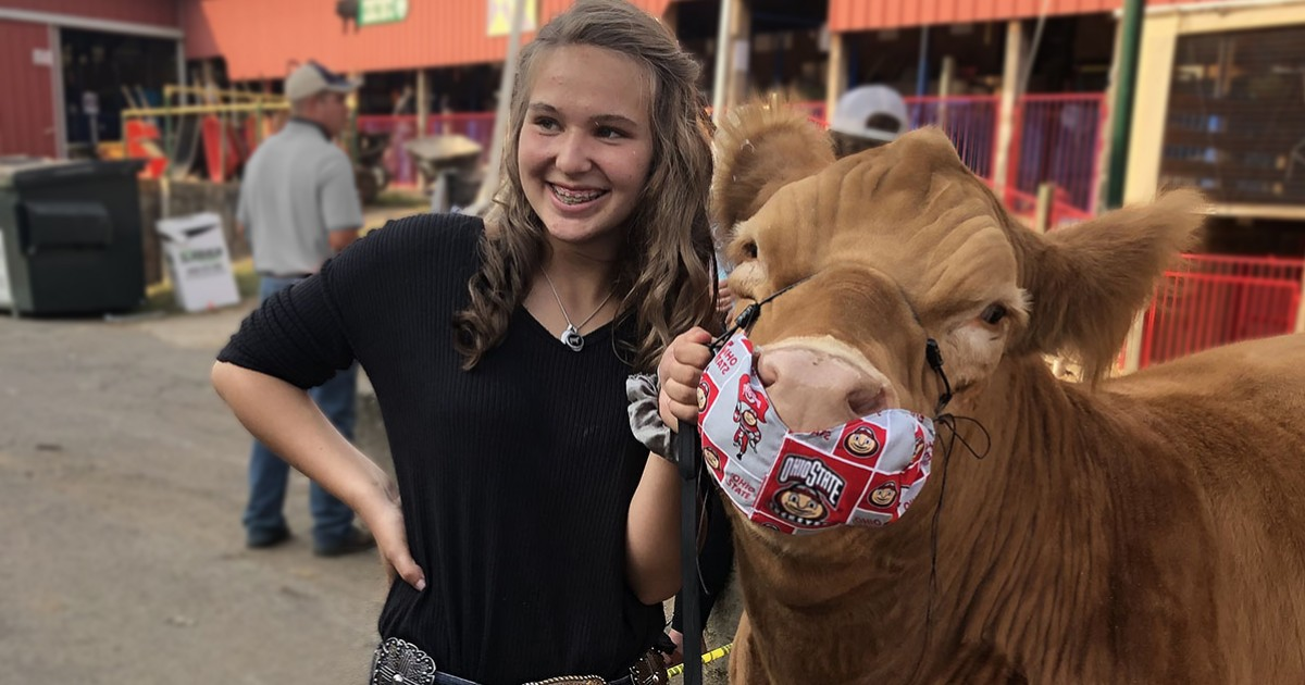 McKalynne Helmke raised her steer, Refried, which was donated to feed families at the Ronald McDonald House. (Photo: Leanne Wise-Helmke)