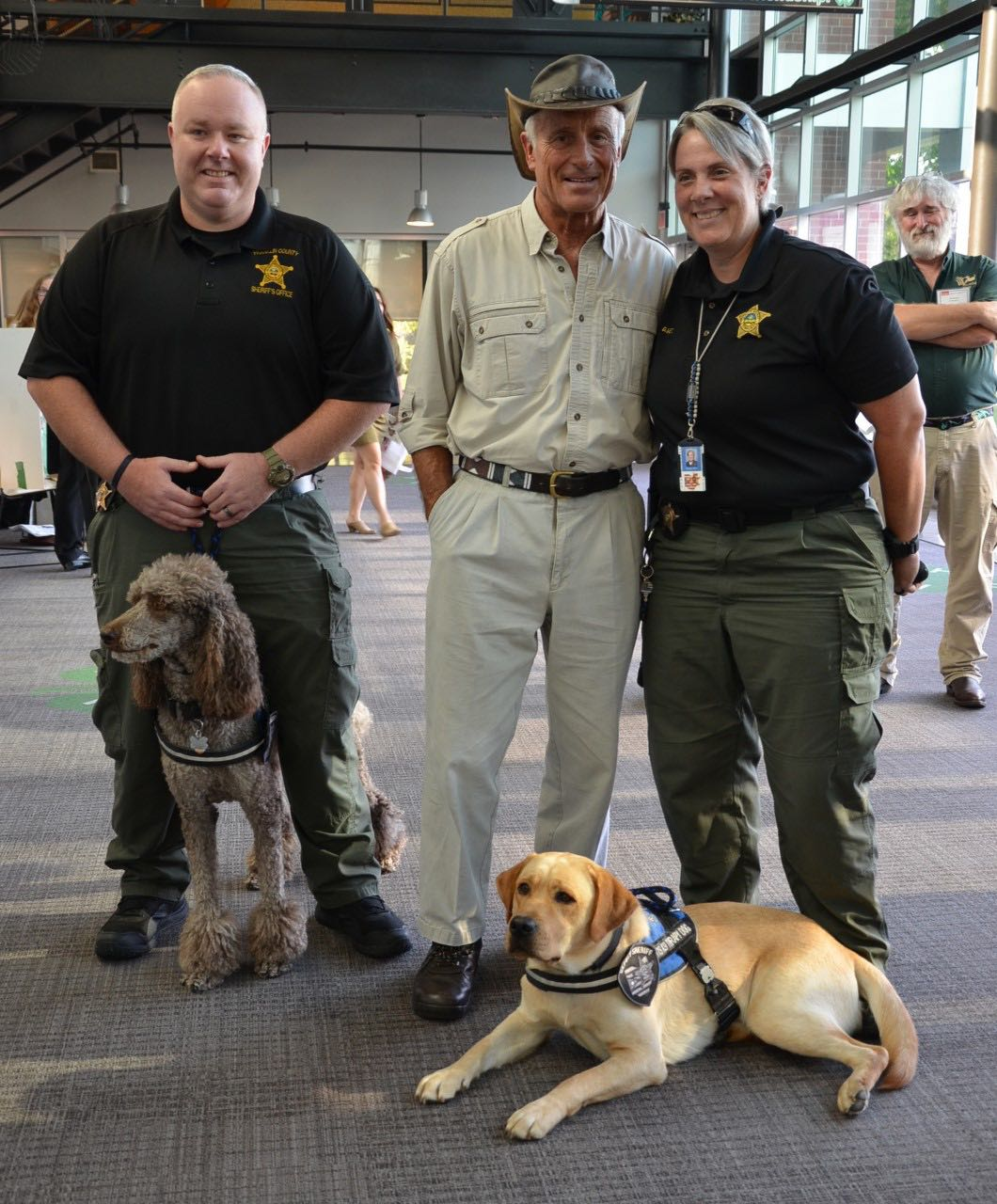 Jack Hanna and members of the Franklin County Sheriff's Office K-9 Therapy Unit.