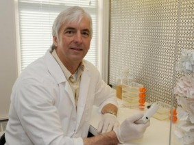 OARDC researcher Daral Jackwood is the founder and scientific adviser of LARAD Inc. (Photo by Ken Chamberlain)