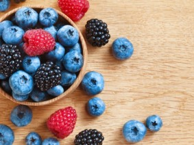 Bowl containing blueberries, blackberries and raspberries - all super fruits. Photo: Thinkstock