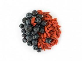 Blueberries and red goji berries. Photo: Thinkstock.