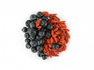 Blueberries and red goji berries. Photo: Thinkstock.
